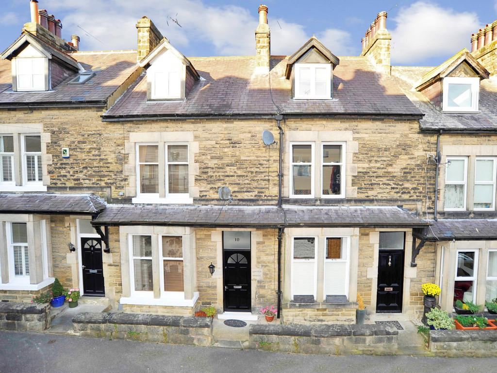 3 Bedrooms Terraced House for sale in Duchy Grove, Harrogate