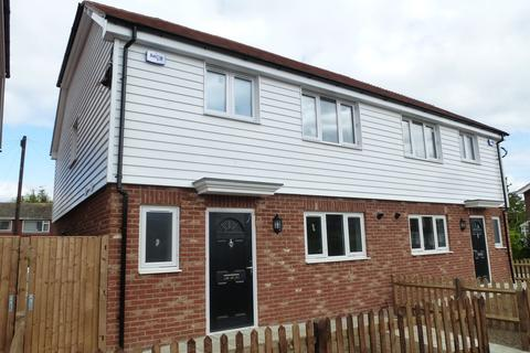 3 bedroom semi-detached house to rent - Forge Lane, Headcorn