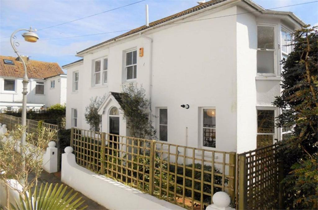 3 Bedrooms Detached House for sale in Camden Terrace Brighton East Sussex BN1