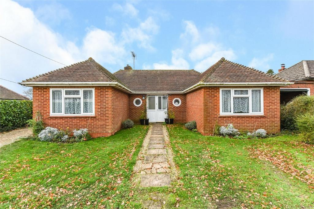 3 Bedrooms Detached Bungalow for sale in Anstey Lane, ALTON, Hampshire