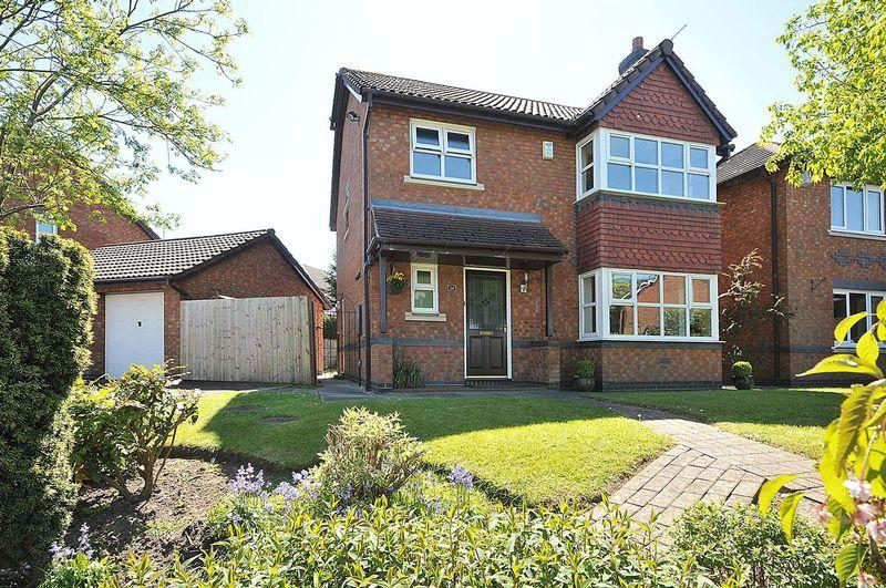 3 Bedrooms Detached House for sale in Elm Drive, Holmes Chapel