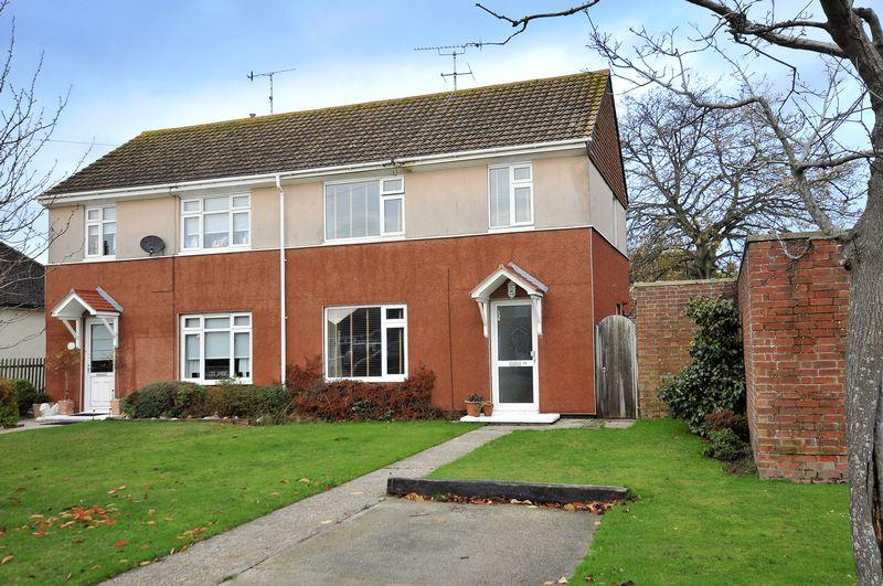 3 Bedrooms Semi Detached House for sale in Sunningdale Road, Worthing