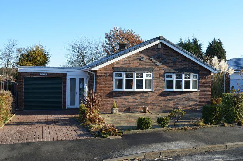 2 Bedrooms Bungalow for sale in Malpas Road, Higher Runcorn