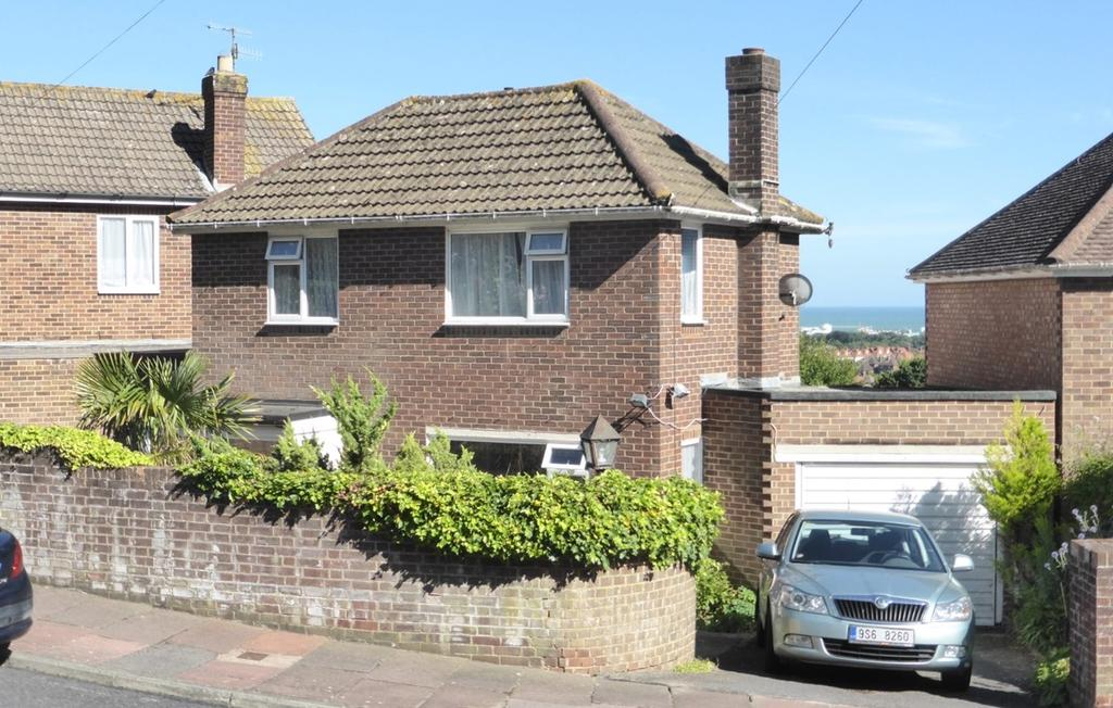 3 Bedrooms Detached House for sale in Peppercombe Road, Eastbourne, BN20