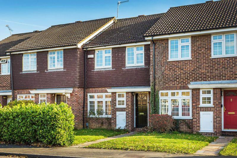3 Bedrooms Terraced House for sale in Guildford, GU3