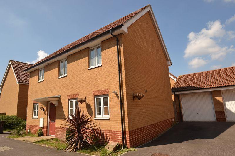 4 Bedrooms Detached House for sale in Dagenham