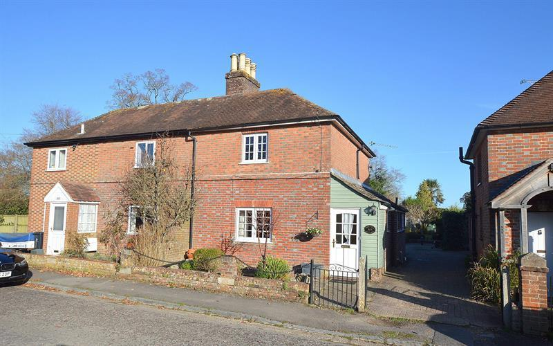 2 Bedrooms Semi Detached House for sale in 305 Bournemouth Road, Charlton Marshall, Blandford