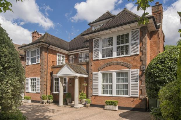 8 Bedrooms Detached House for sale in Stormont Road, Kenwood, Highgate, N6