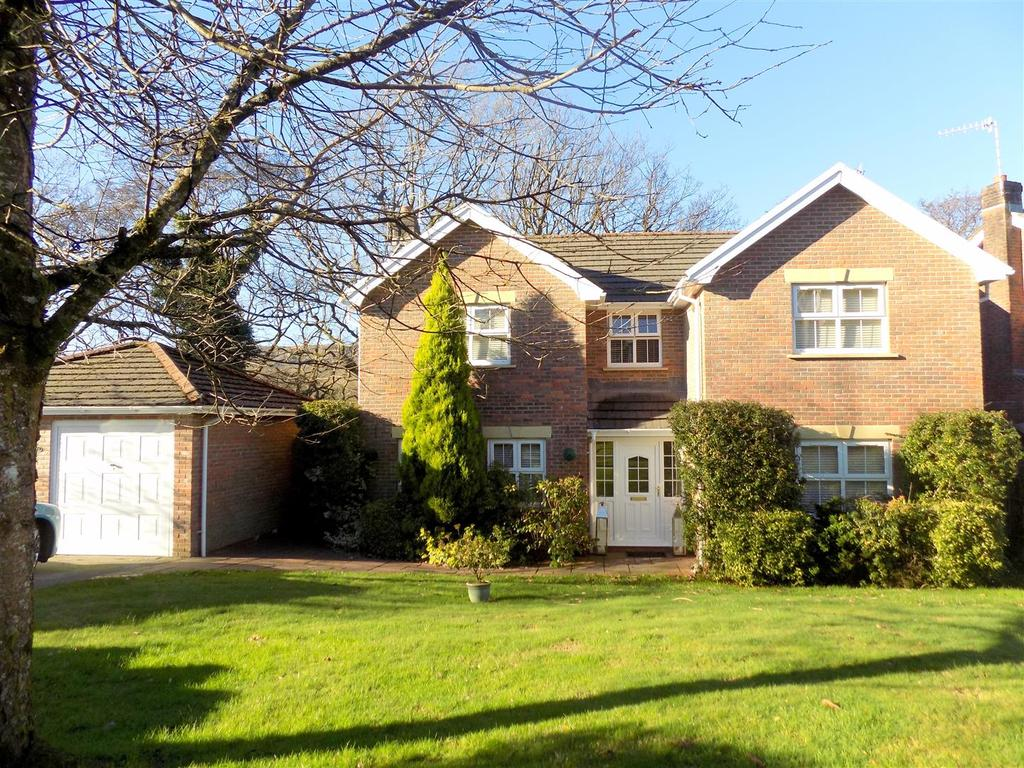 4 Bedrooms House for sale in Princess Drive, Neath