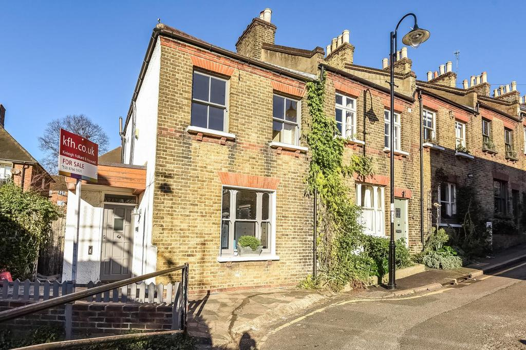 3 Bedrooms Terraced House for sale in Haynes Lane, Crystal Palace, SE19