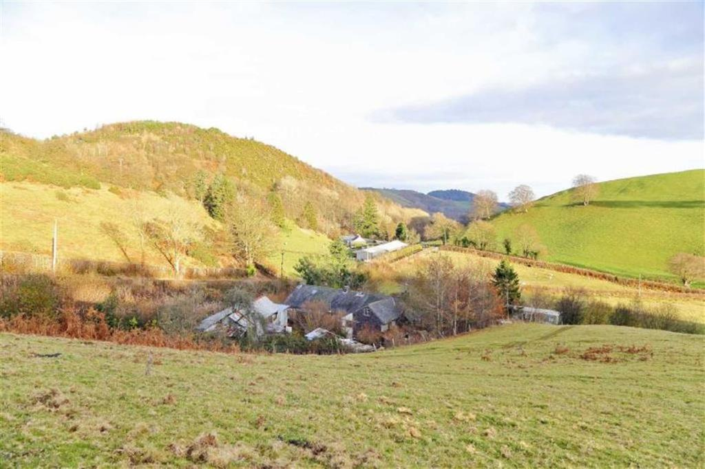 6 Bedrooms Detached House for sale in Llanfyllin