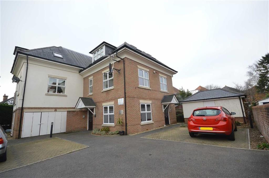 2 Bedrooms Flat for sale in Queens Park Gate, Bournemouth, Dorset, BH8