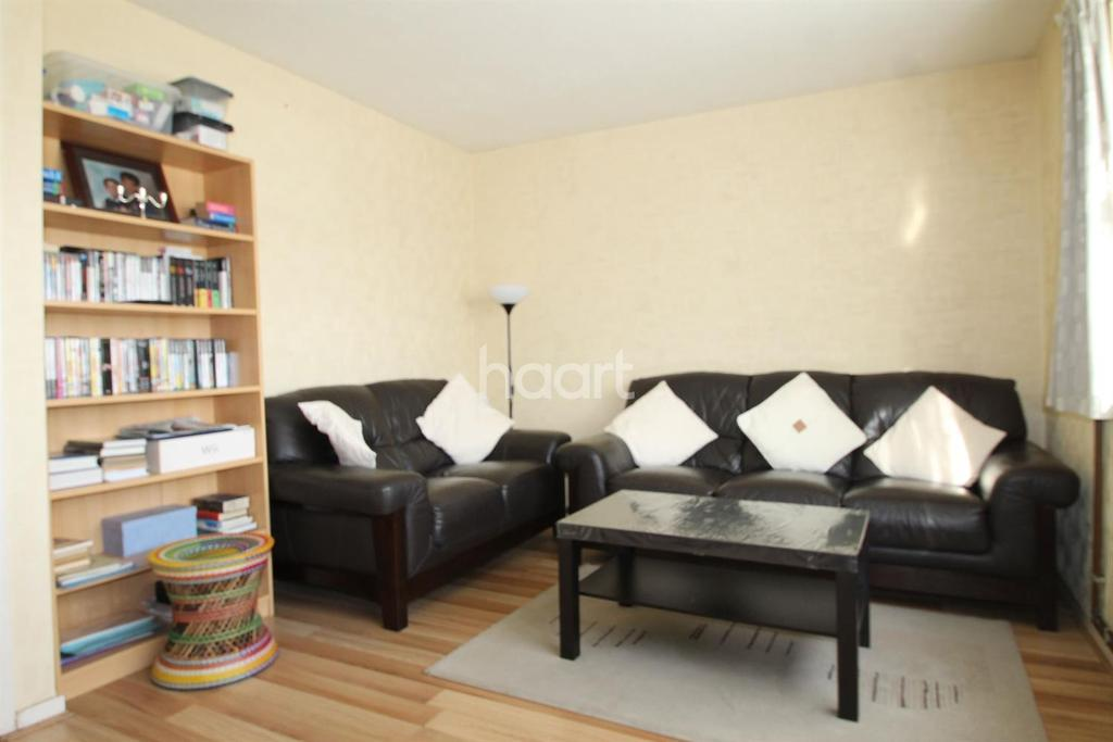 3 Bedrooms Flat for sale in Bargrove Close, Crystal Palace, SE20