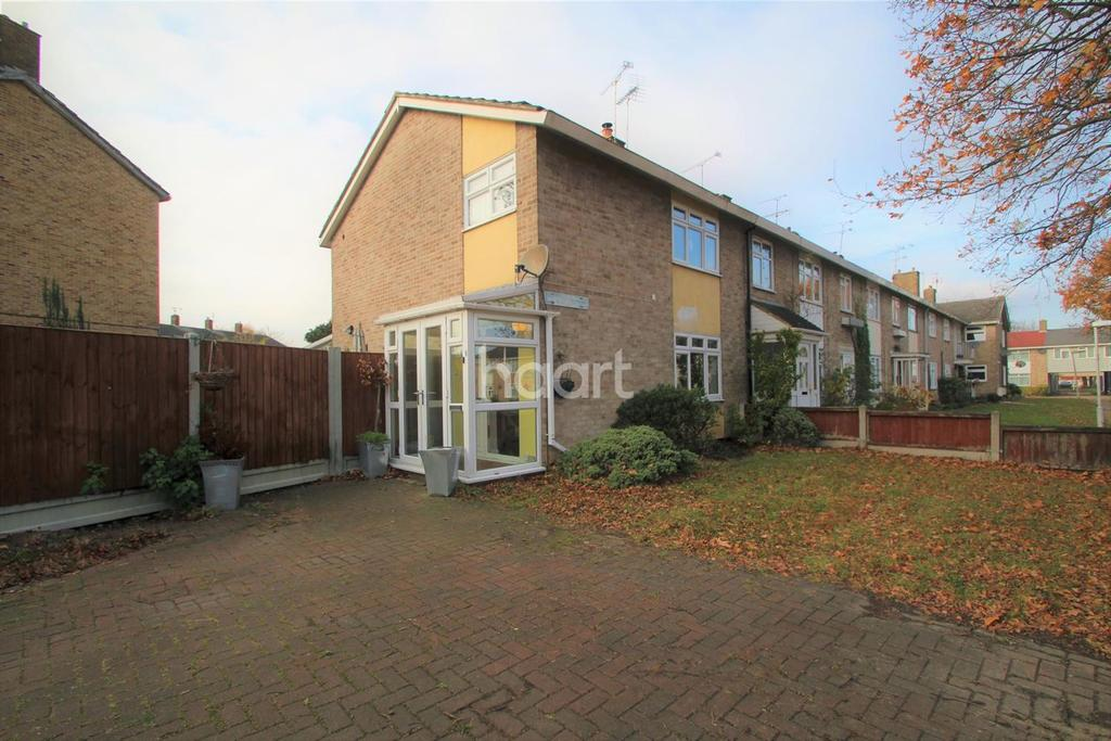 3 Bedrooms End Of Terrace House for sale in Long Gages, Basildon