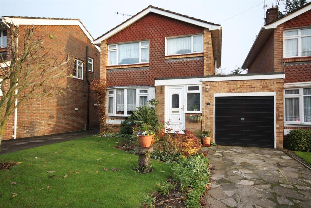 3 Bedrooms Detached House for sale in Summerlands Road, Fair Oak, Eastleigh