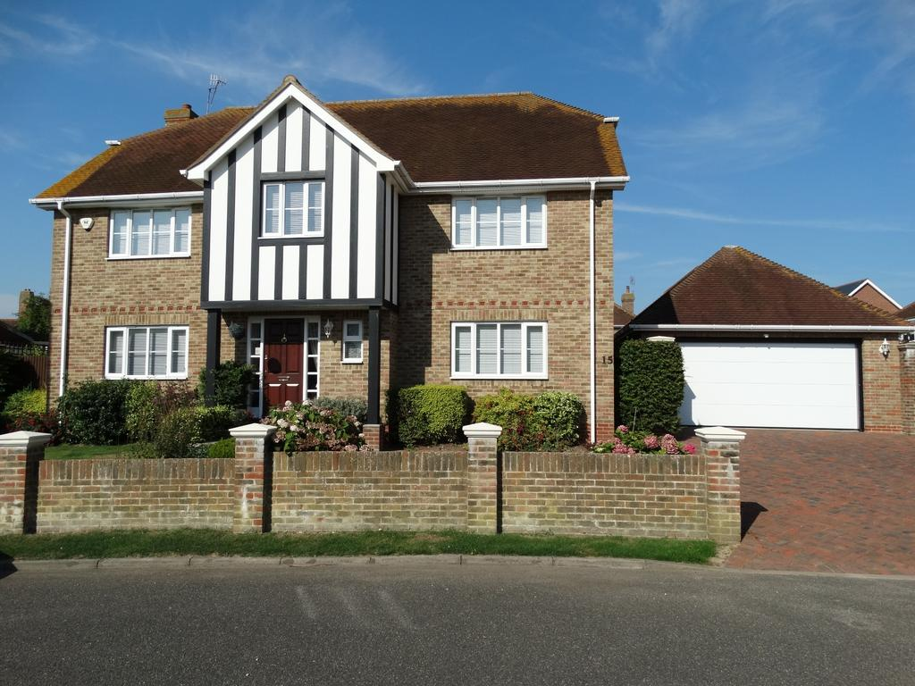 4 Bedrooms Detached House for sale in Summerley Estate, Felpham