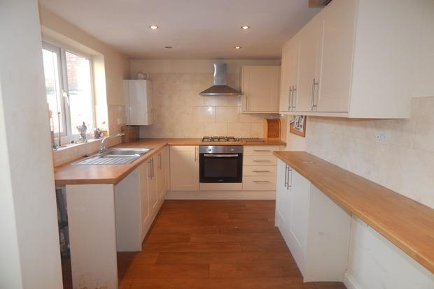 3 Bedrooms Terraced House for sale in Sneinton Boulevard, Sneinton, Nottingham, NG2