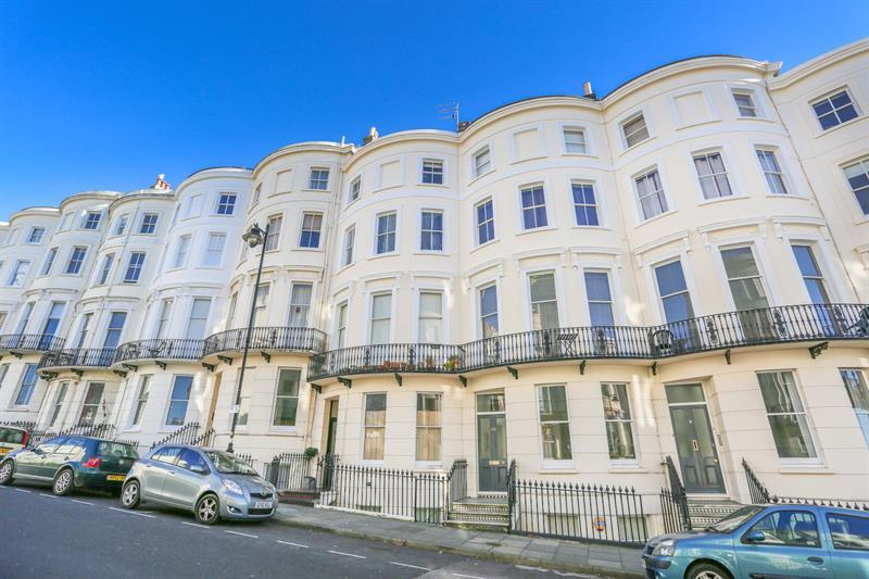 2 Bedrooms Flat for sale in Eaton Place, Kemp Town, Brighton
