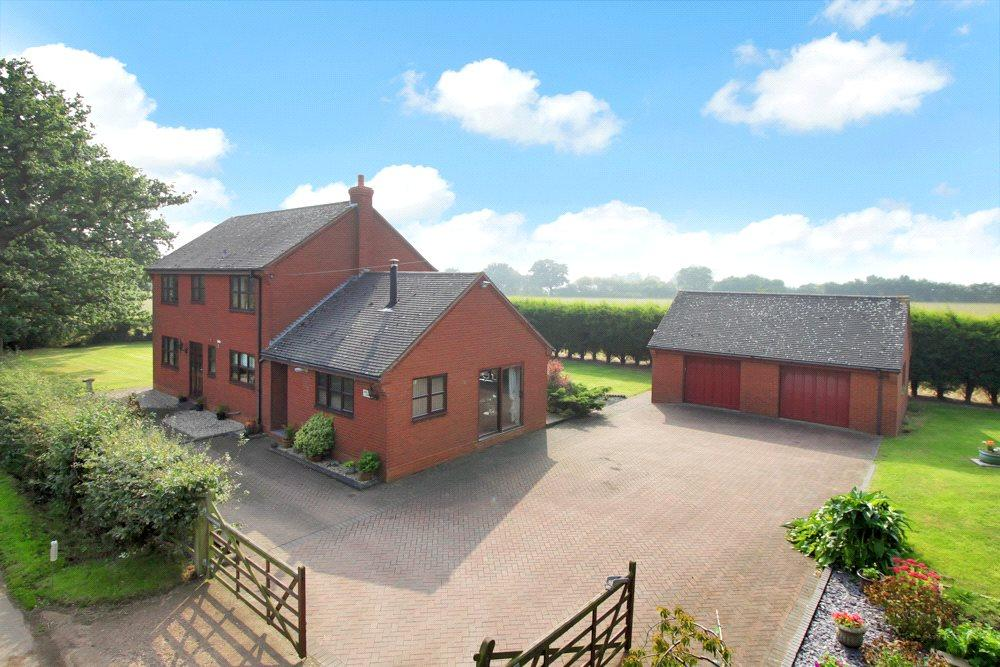 3 Bedrooms Detached House for sale in Nr Blithbury, Rugeley, Staffordshire