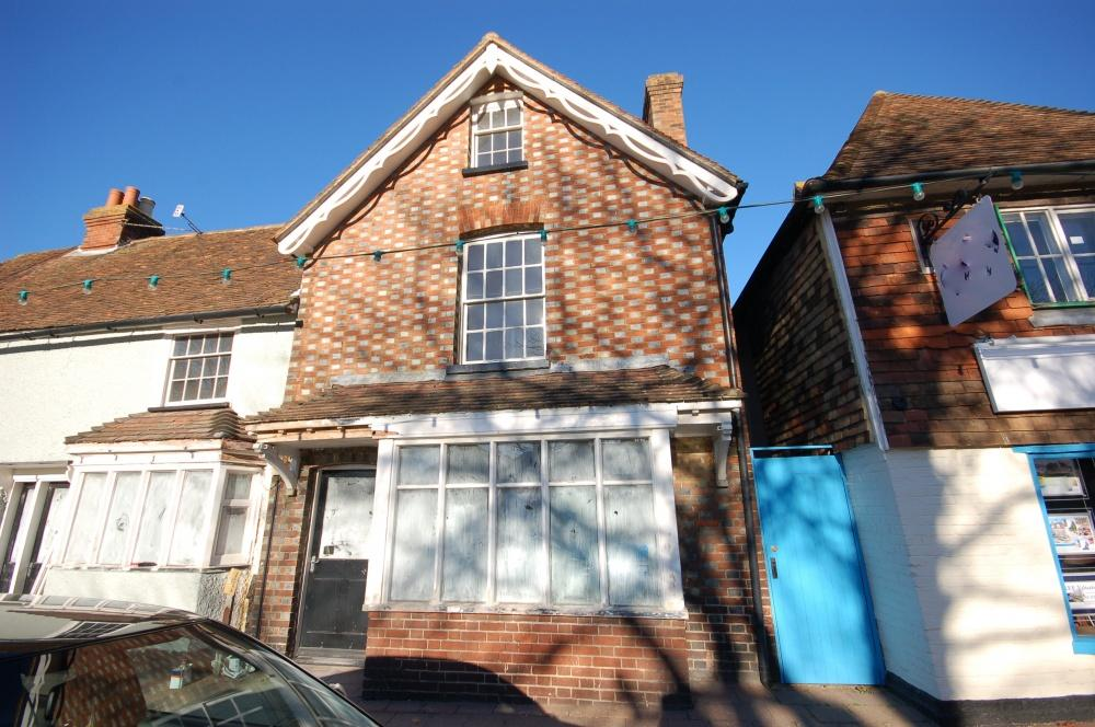 4 Bedrooms Semi Detached House for sale in High Street, Headcorn, TN27