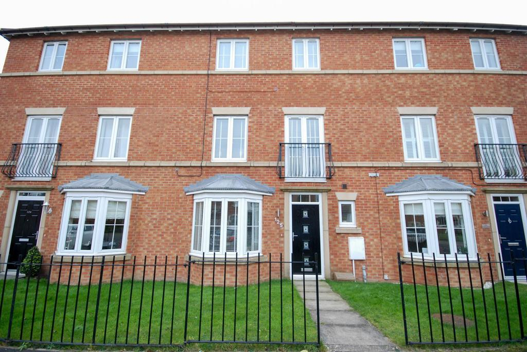 4 Bedrooms Town House for sale in Aylesford Mews, Tunstall