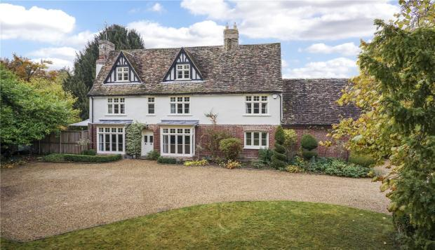 6 Bedrooms Detached House for sale in High Street, Harston, Cambridge