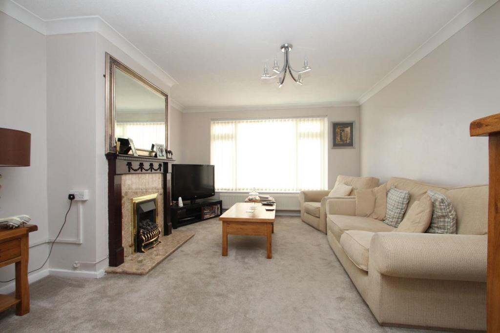 2 Bedrooms Bungalow for sale in Cromwell Way, Witham, CM8