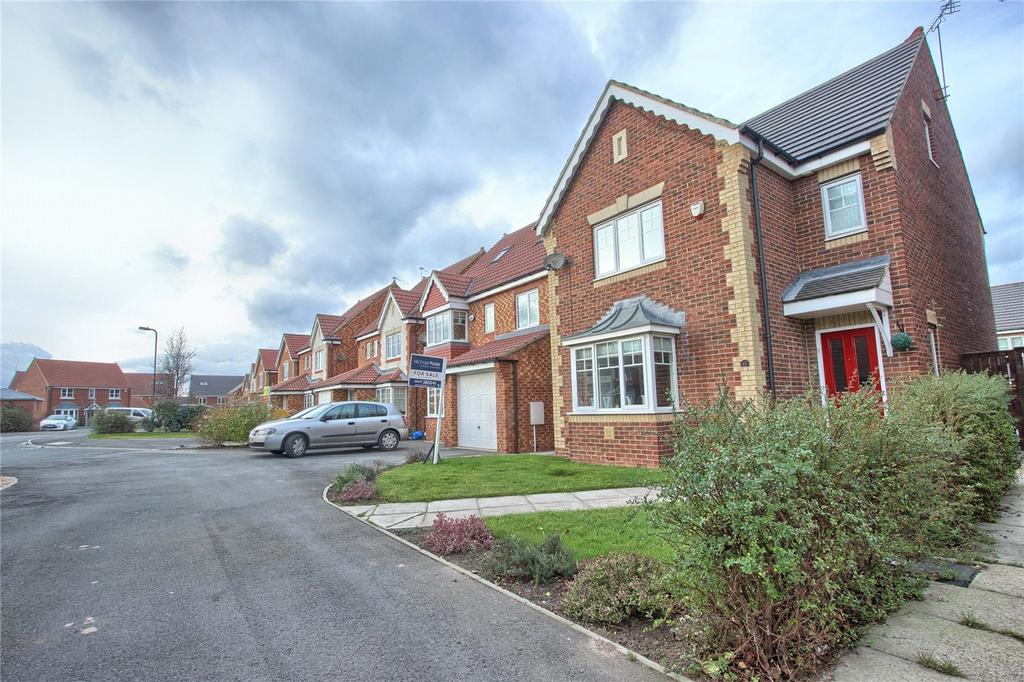 4 Bedrooms Detached House for sale in Yarmouth Drive, Redcar
