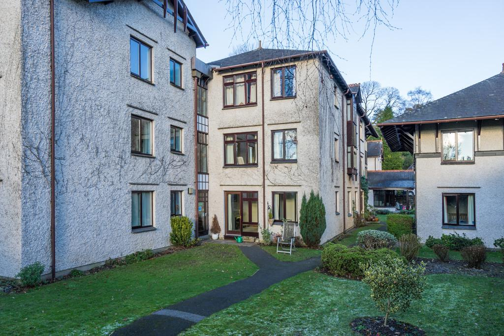 1 Bedroom Ground Flat for sale in 9 Elleray Gardens, Windermere, Cumbria, LA23 1JE