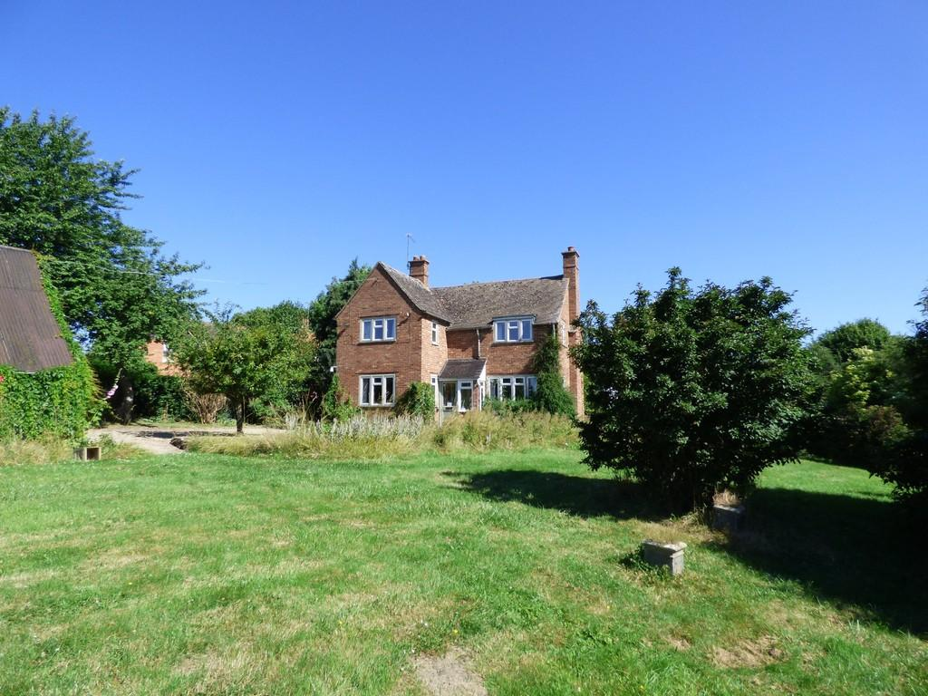 3 Bedrooms Detached House for sale in Stratford Road, Shipston On Stour