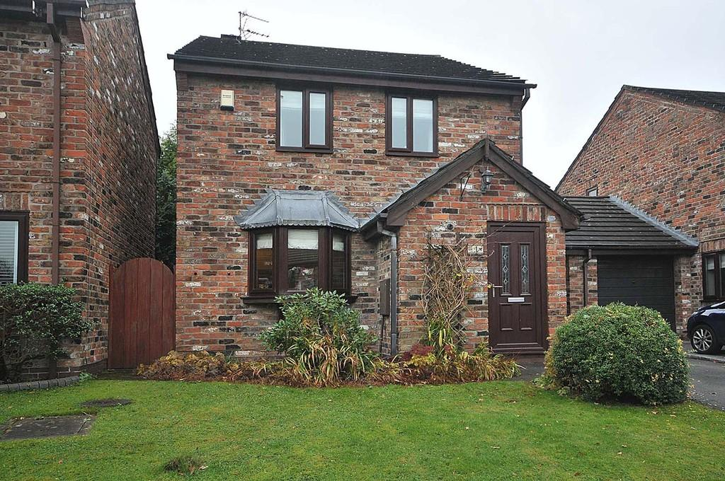 3 Bedrooms Link Detached House for sale in Tudor Green, Wilmslow