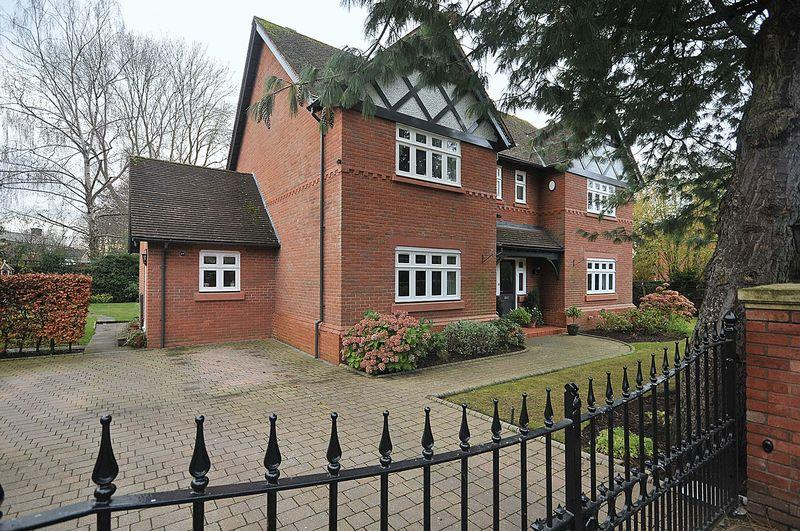 5 Bedrooms Detached House for sale in Wilsbury Grange, Hartford