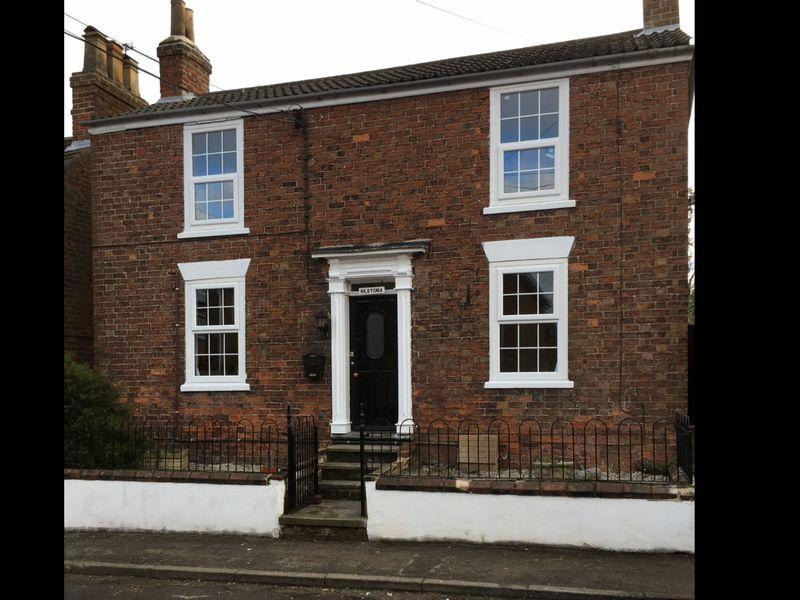 2 Bedrooms Cottage House for sale in Hillstonia, The Square, Goxhill