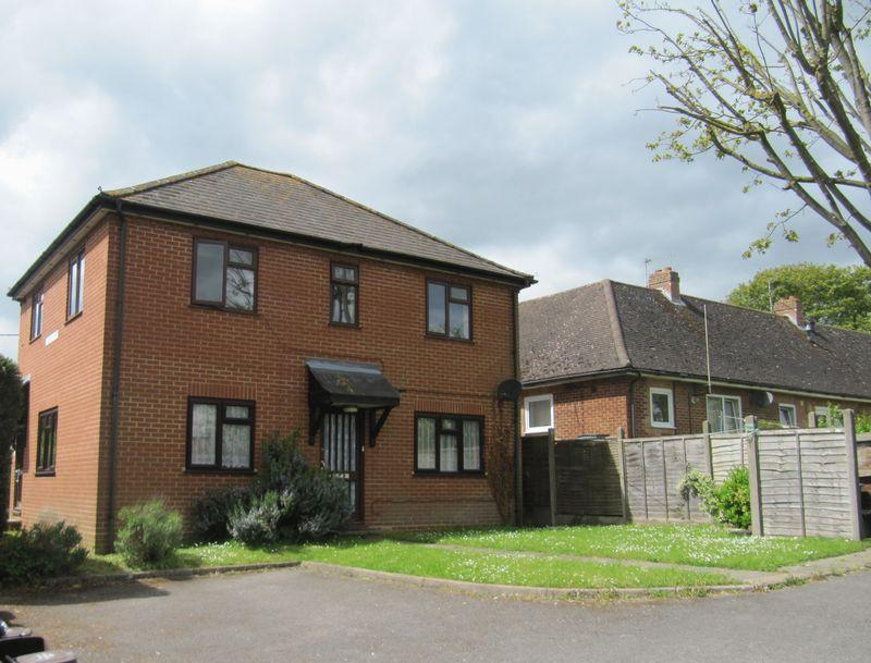 2 Bedrooms Apartment Flat for sale in Marlow.