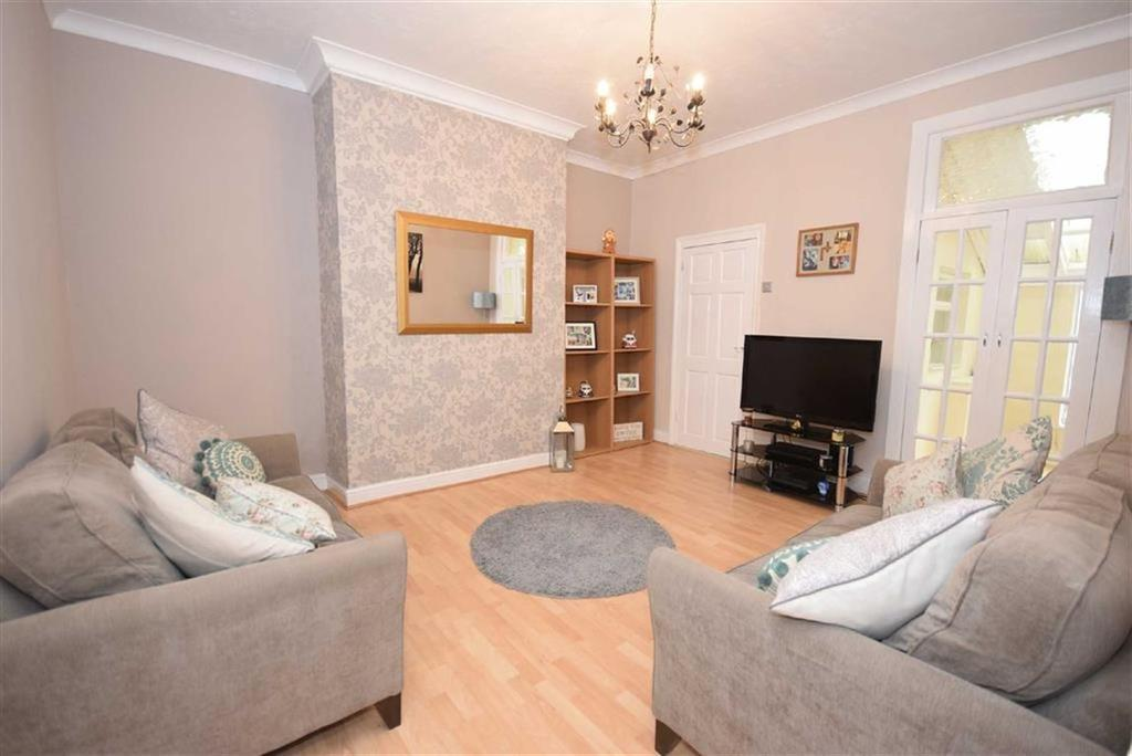 2 Bedrooms Flat for sale in St Vincent Street, South Shields