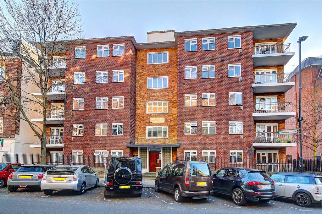 3 Bedrooms Flat for sale in Carrington Lodge, Sheen Road, TW9