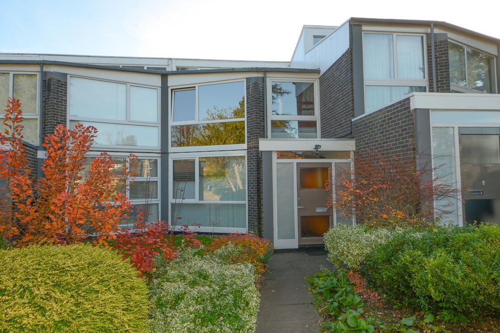 3 Bedrooms Terraced House for sale in Templemere, Weybridge KT13