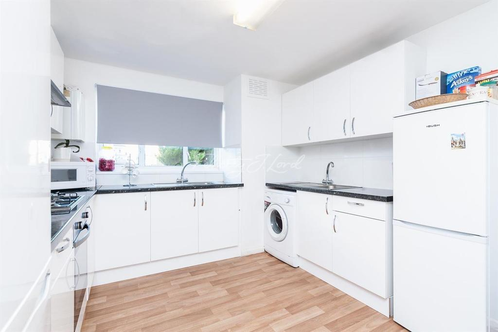 3 Bedrooms Terraced House for sale in Pulford Road, N15