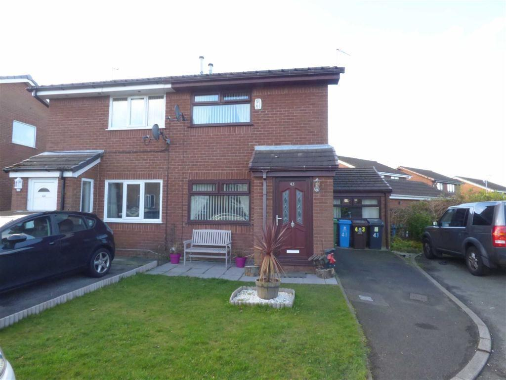 2 Bedrooms Semi Detached House for sale in Bullcote Green, Royton, Oldham, OL2