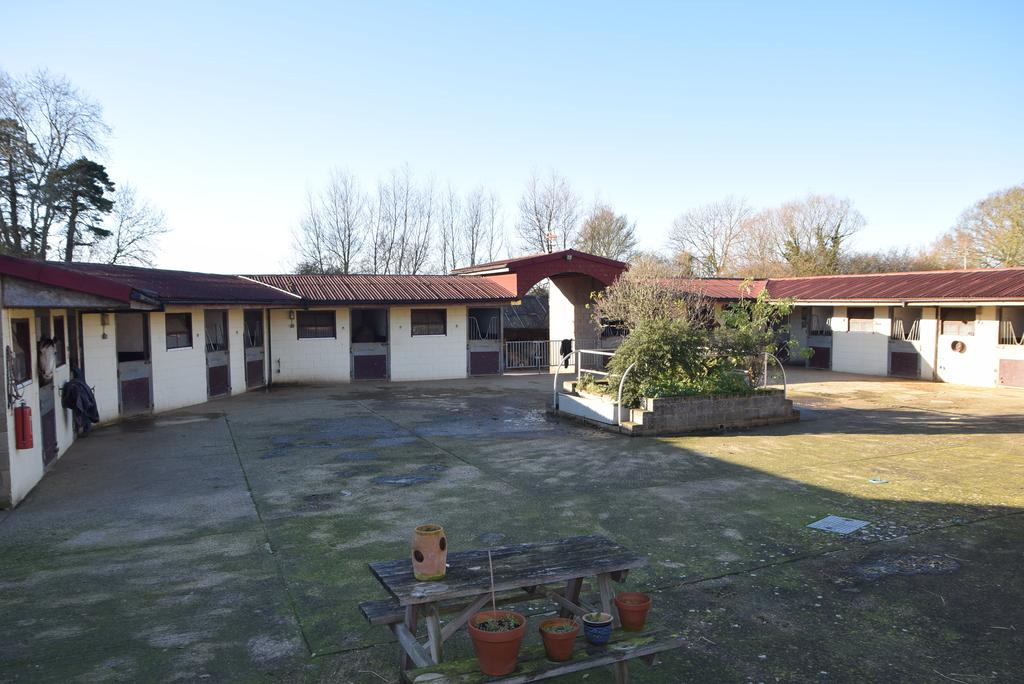1 Bedroom Land Commercial