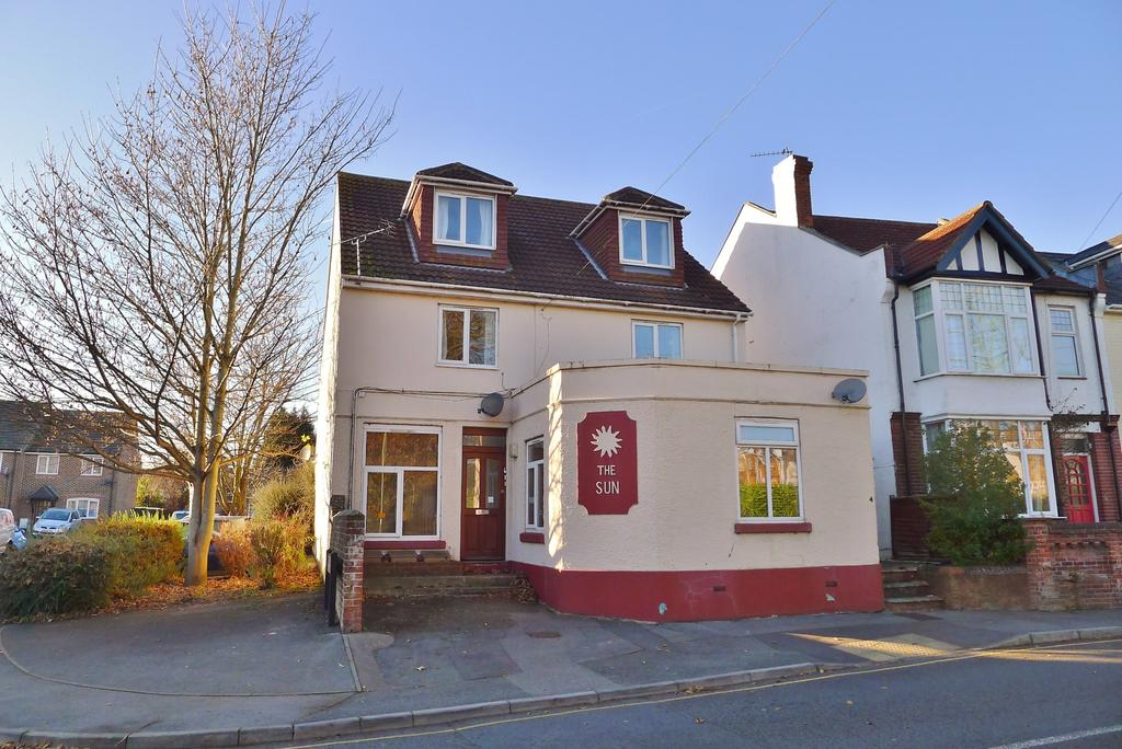 2 Bedrooms Maisonette Flat for sale in FAREHAM
