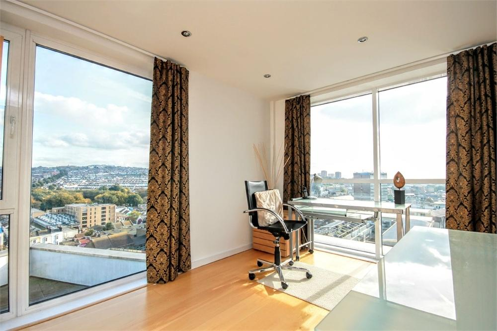 3 Bedrooms Flat for sale in Fleet Street, BRIGHTON, East Sussex