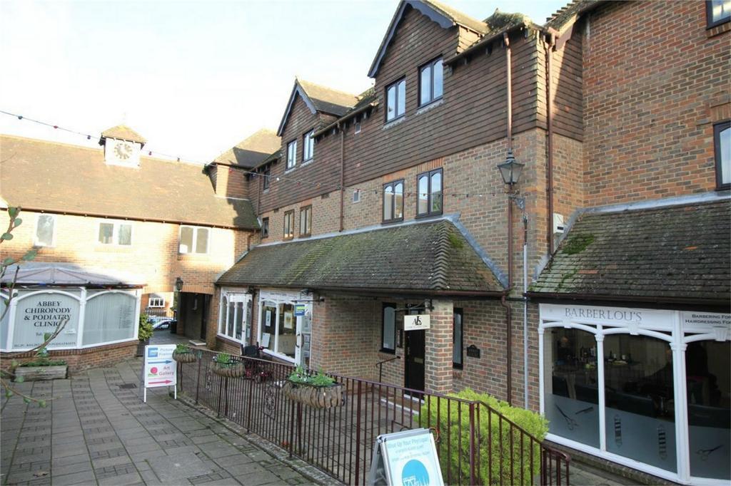 1 Bedroom Retirement Property for sale in St Martins Way, BATTLE, East Sussex