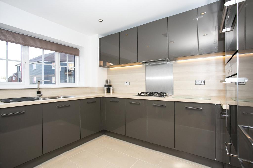 2 Bedrooms Flat for sale in Eden Road, Dunton Green, Sevenoaks, Kent