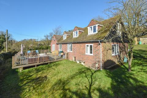 4 bedroom detached house to rent - East Brabourne, TN25