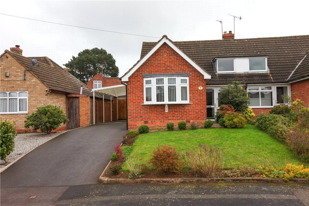 3 Bedrooms Semi Detached Bungalow for sale in Brueton Avenue, Bromsgrove, B60