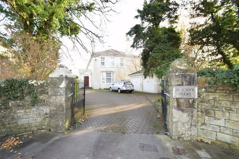 2 bedroom apartment for sale - 6 St Johns Priory, Merthyrmawr Road North, Bridgend, Bridgend County Borough, CF31 3NG.