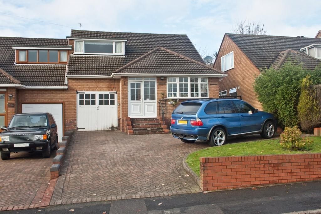 4 Bedrooms Semi Detached House for sale in Hospital Road, Burntwood