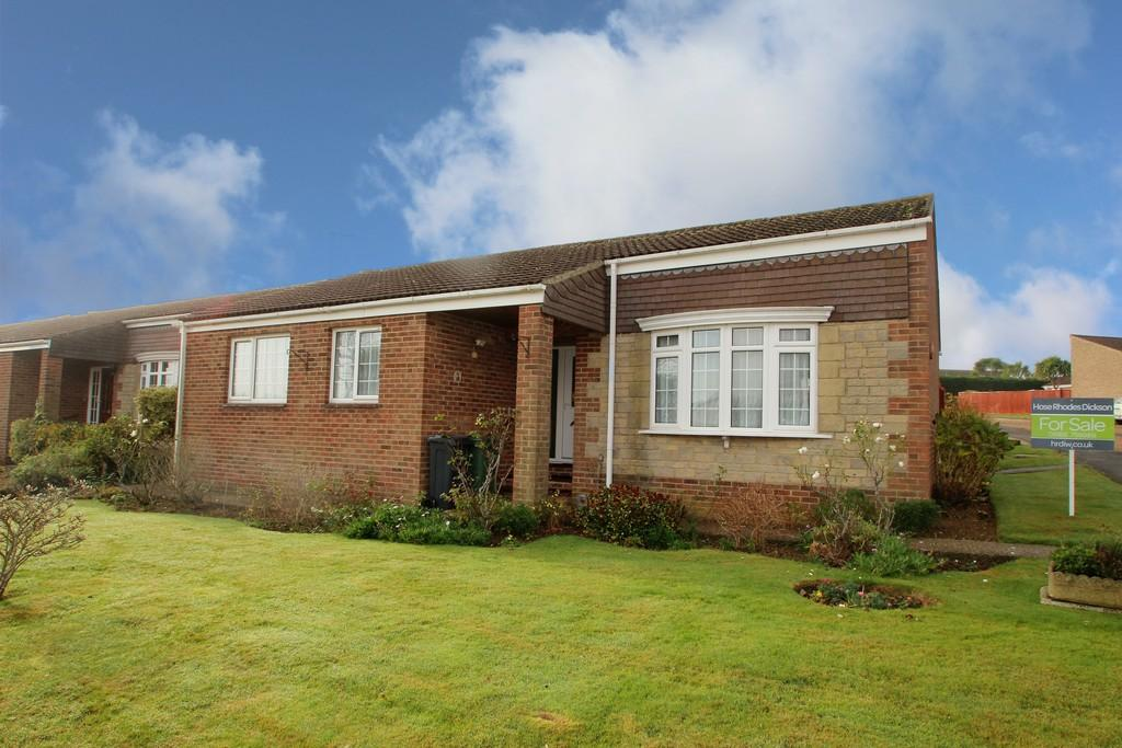 3 Bedrooms Detached Bungalow for sale in Ashley Way, Brighstone