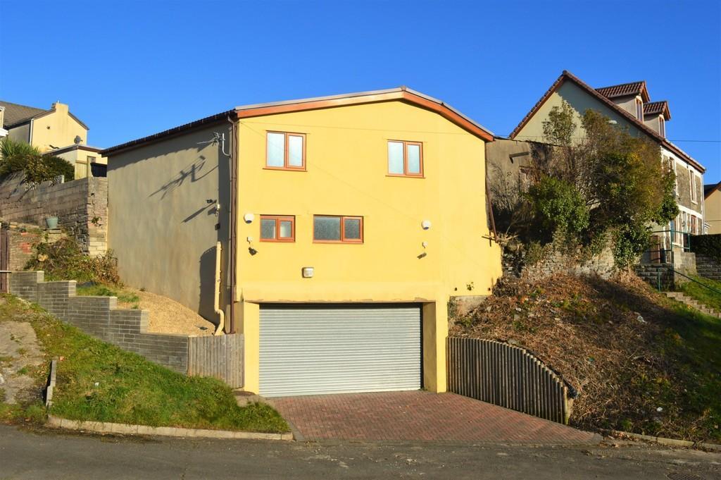 Garages Garage / Parking for sale in Three Storey Garage